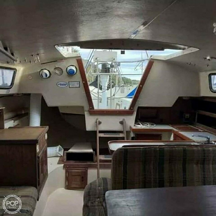 1984 Catalina Yachts boat for sale, model of the boat is 30 & Image # 2 of 40