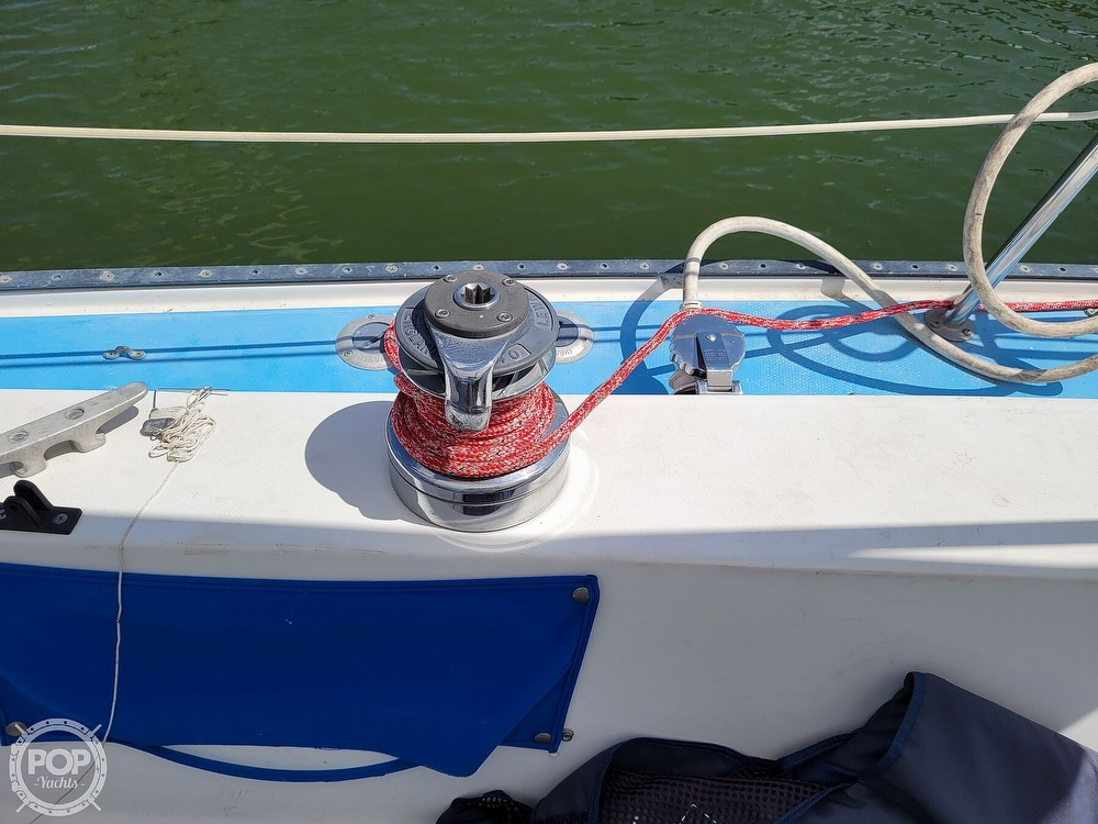 1984 Catalina Yachts boat for sale, model of the boat is 30 & Image # 18 of 40