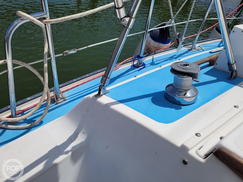 1984 Catalina Yachts boat for sale, model of the boat is 30 & Image # 19 of 40