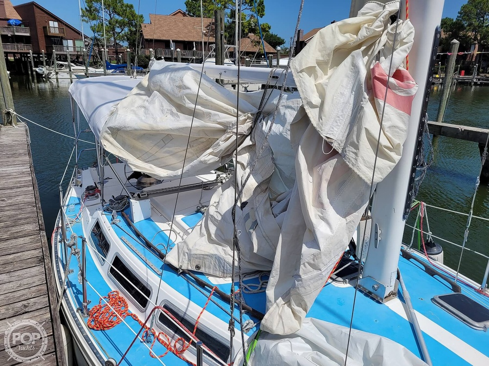 1984 Catalina Yachts boat for sale, model of the boat is 30 & Image # 34 of 40