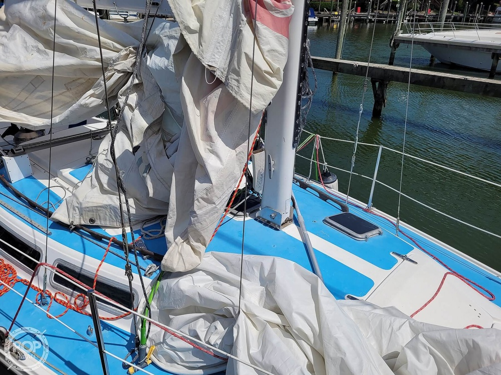 1984 Catalina Yachts boat for sale, model of the boat is 30 & Image # 35 of 40