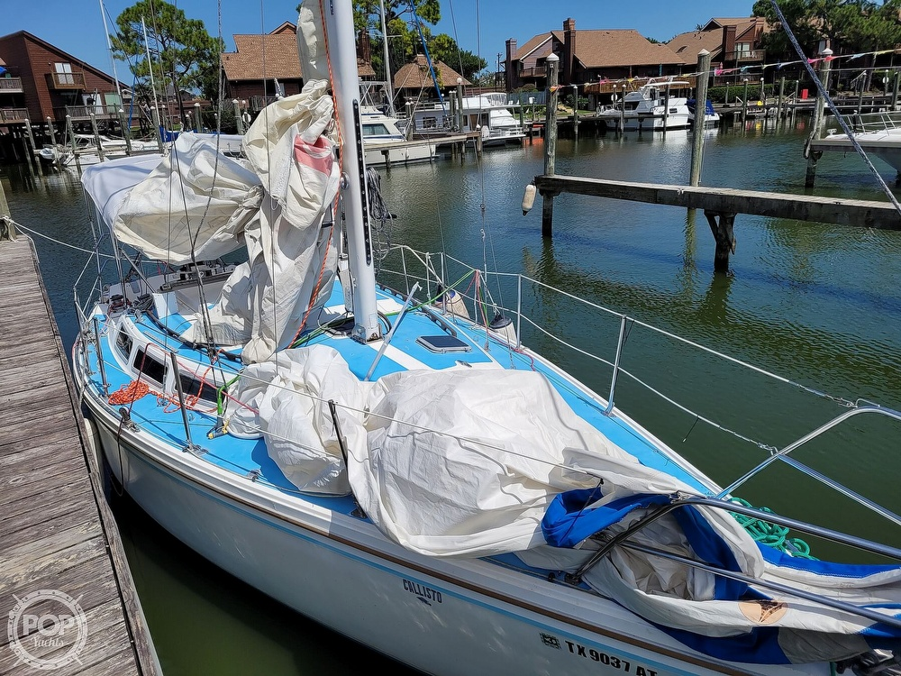1984 Catalina Yachts boat for sale, model of the boat is 30 & Image # 38 of 40