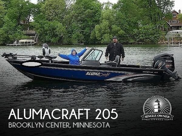 2018 Alumacraft boat for sale, model of the boat is 205 COMPETITOR & Image # 1 of 12