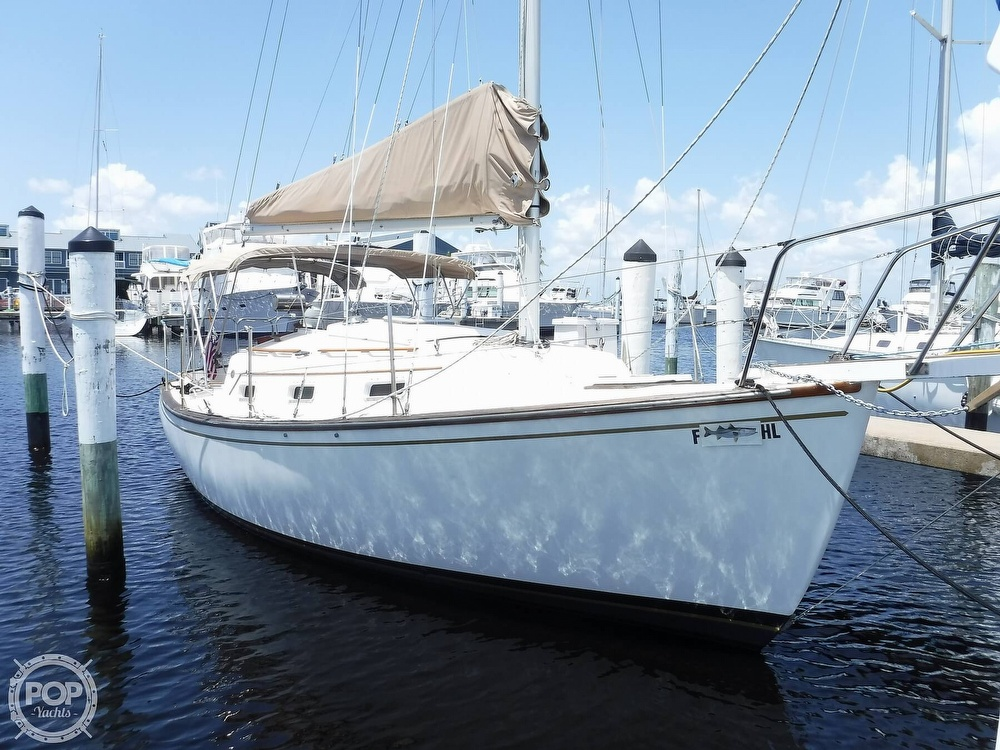 1982 Island Packet boat for sale, model of the boat is 26 MKII & Image # 4 of 40