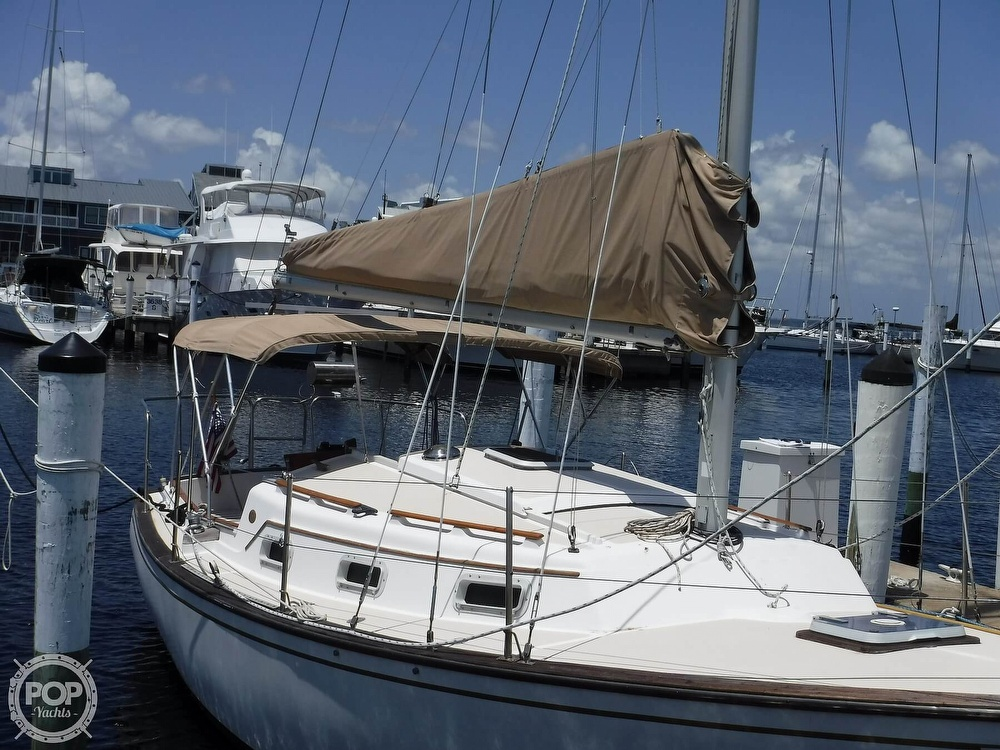 1982 Island Packet boat for sale, model of the boat is 26 MKII & Image # 5 of 40
