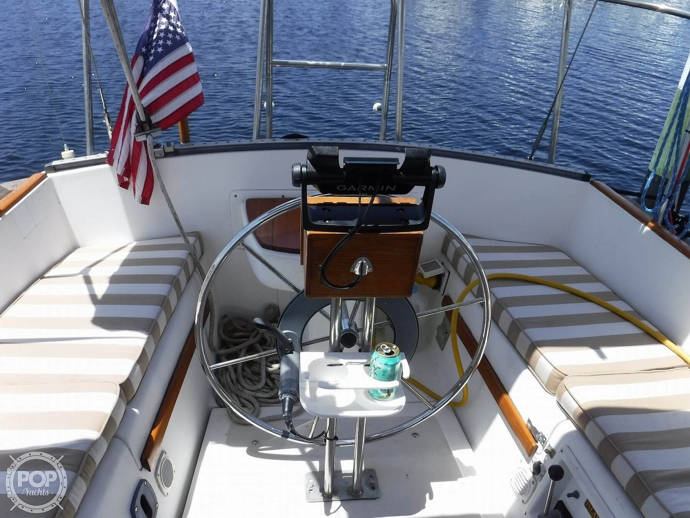 1982 Island Packet boat for sale, model of the boat is 26 MKII & Image # 7 of 40