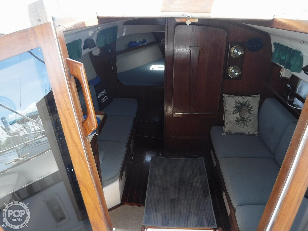 1982 Island Packet boat for sale, model of the boat is 26 MKII & Image # 11 of 40