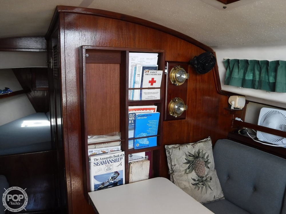 1982 Island Packet boat for sale, model of the boat is 26 MKII & Image # 16 of 40