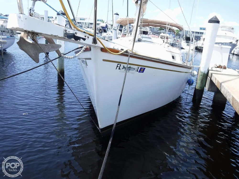 1982 Island Packet boat for sale, model of the boat is 26 MKII & Image # 20 of 40