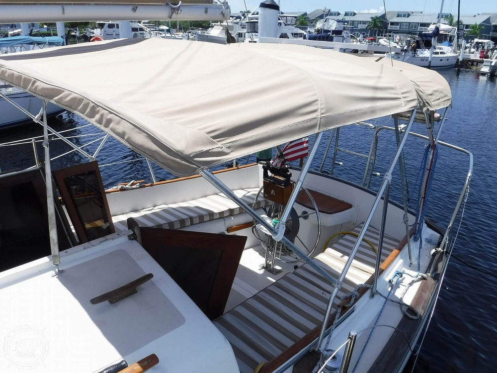 1982 Island Packet boat for sale, model of the boat is 26 MKII & Image # 22 of 40