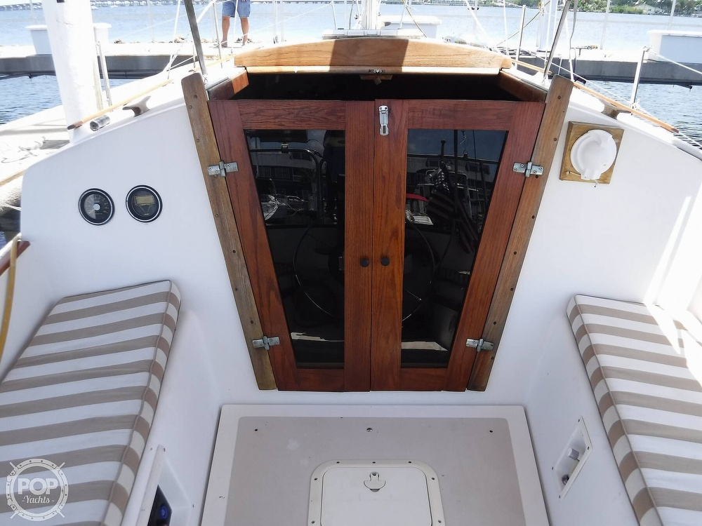 1982 Island Packet boat for sale, model of the boat is 26 MKII & Image # 25 of 40