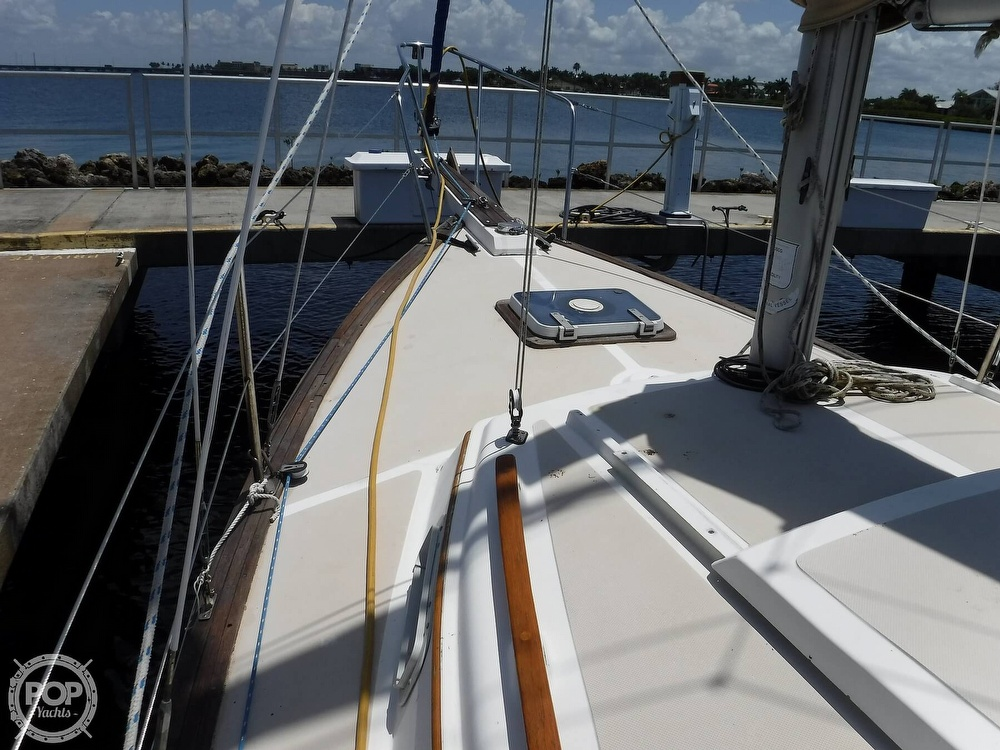 1982 Island Packet boat for sale, model of the boat is 26 MKII & Image # 30 of 40