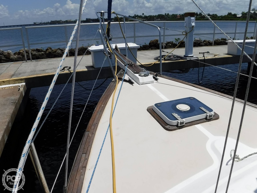 1982 Island Packet boat for sale, model of the boat is 26 MKII & Image # 31 of 40