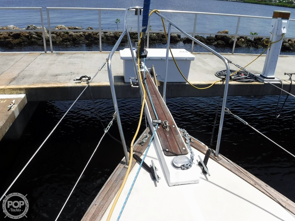 1982 Island Packet boat for sale, model of the boat is 26 MKII & Image # 34 of 40