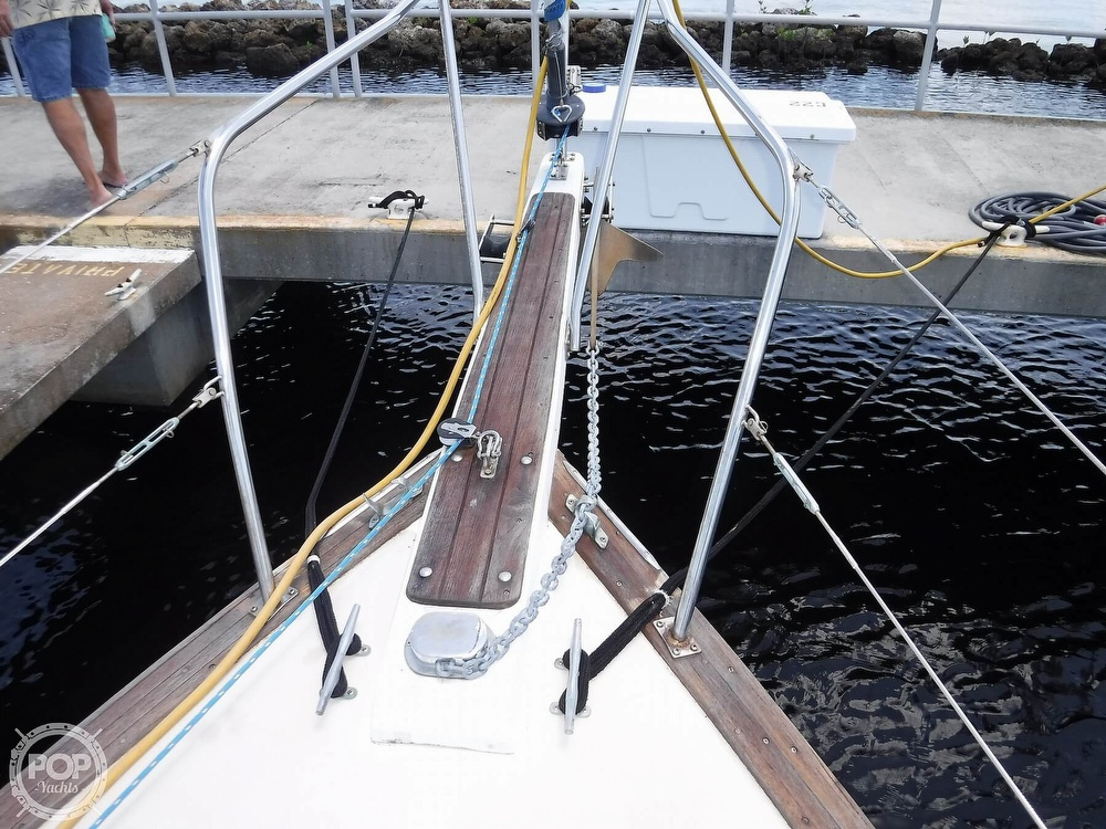 1982 Island Packet boat for sale, model of the boat is 26 MKII & Image # 37 of 40