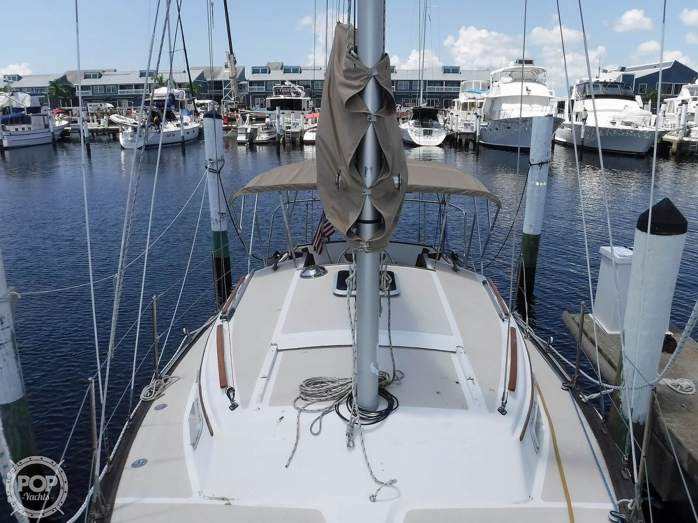 1982 Island Packet boat for sale, model of the boat is 26 MKII & Image # 39 of 40
