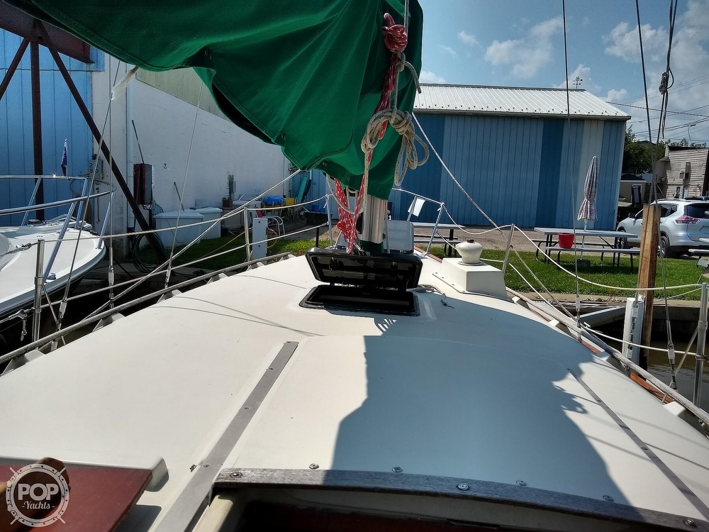 1980 Pearson boat for sale, model of the boat is 323 & Image # 5 of 40