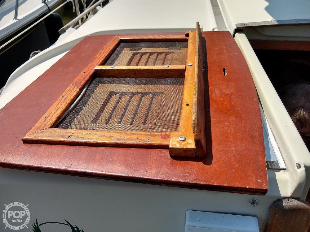 1980 Pearson boat for sale, model of the boat is 323 & Image # 16 of 40