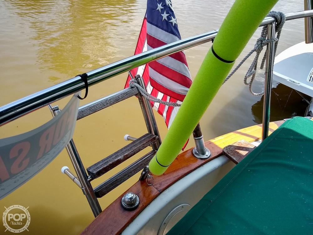 1980 Pearson boat for sale, model of the boat is 323 & Image # 24 of 40