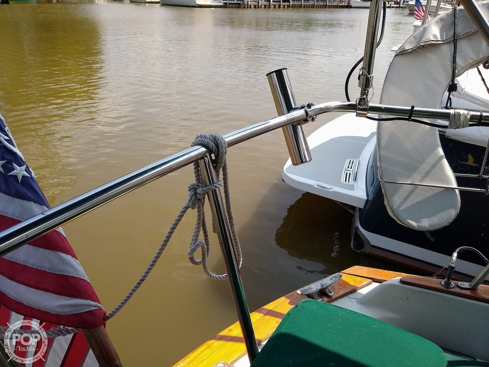 1980 Pearson boat for sale, model of the boat is 323 & Image # 25 of 40