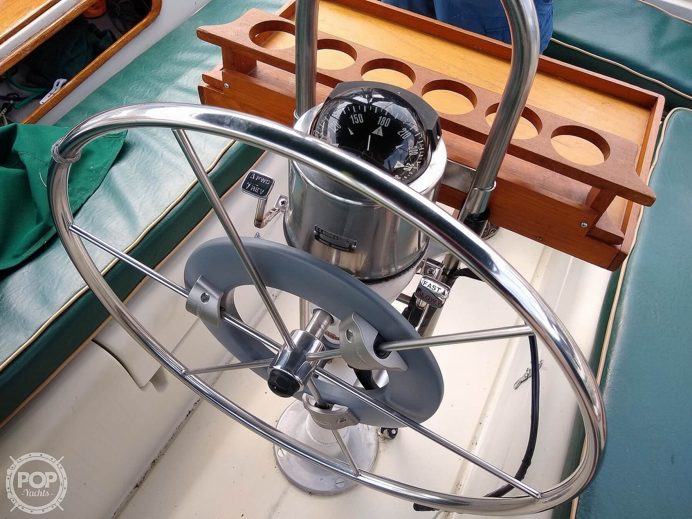 1980 Pearson boat for sale, model of the boat is 323 & Image # 18 of 40