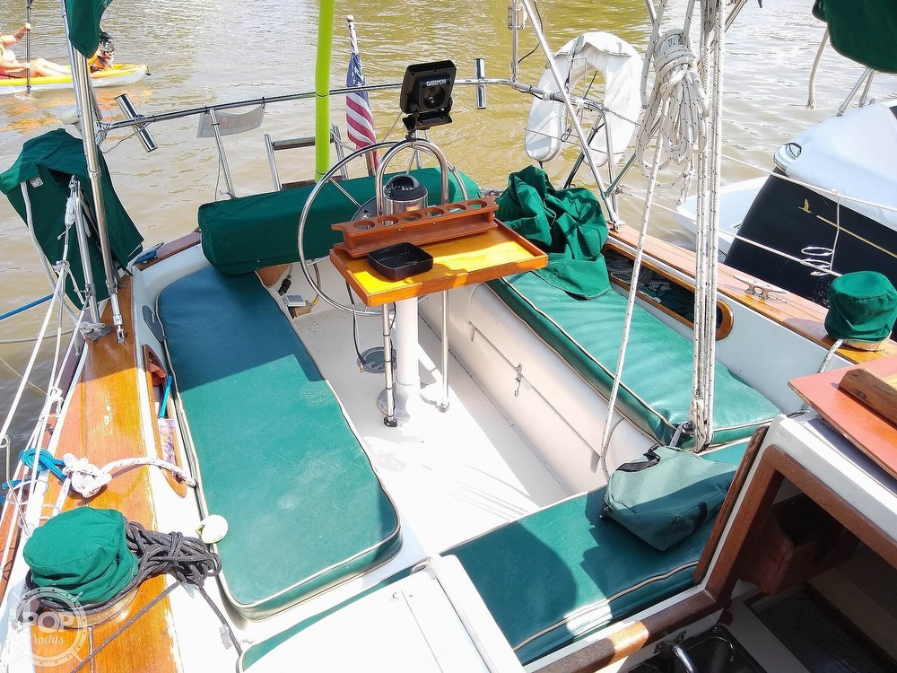 1980 Pearson boat for sale, model of the boat is 323 & Image # 6 of 40