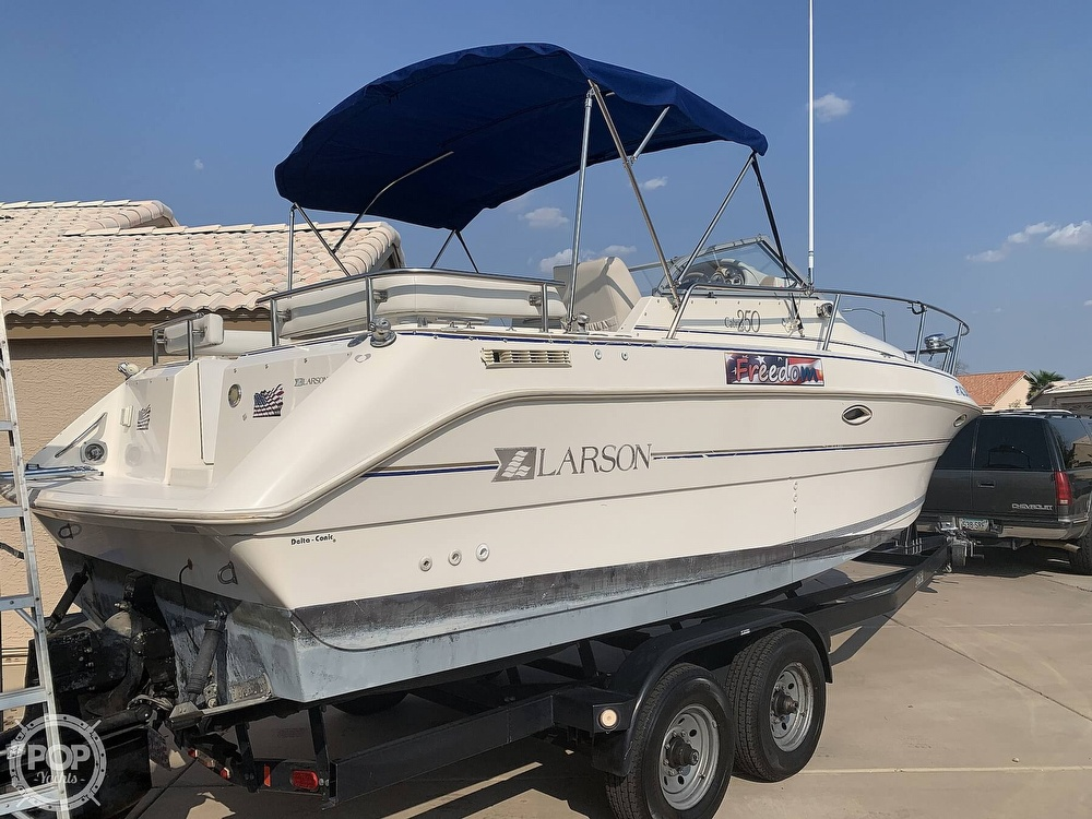 1995 Larson boat for sale, model of the boat is Cabrio 250 & Image # 3 of 40