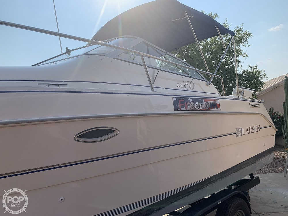1995 Larson boat for sale, model of the boat is Cabrio 250 & Image # 13 of 40