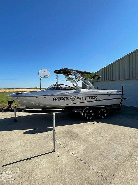 2011 Malibu boat for sale, model of the boat is Wakesetter 23 LSV & Image # 2 of 19