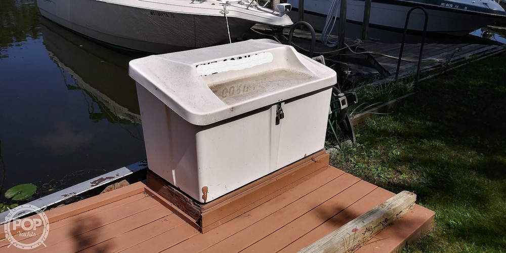 1996 Sea Ray boat for sale, model of the boat is 270 Sundancer & Image # 7 of 41