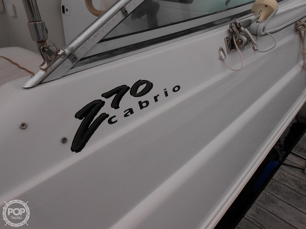 1997 Larson boat for sale, model of the boat is 270 Cabrio & Image # 21 of 40