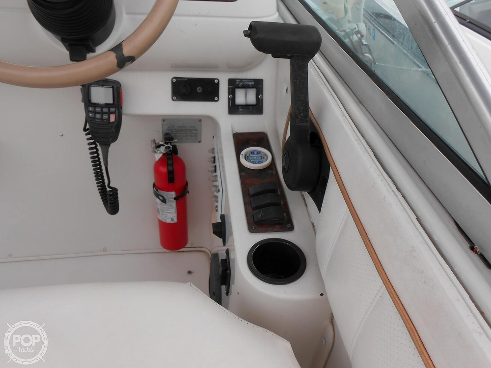 1997 Larson boat for sale, model of the boat is 270 Cabrio & Image # 34 of 40