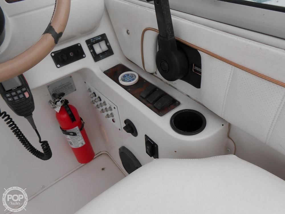 1997 Larson boat for sale, model of the boat is 270 Cabrio & Image # 35 of 40