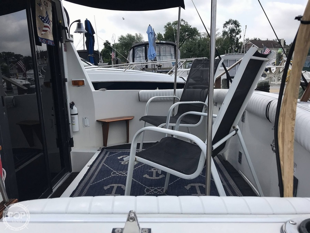 1987 Carver boat for sale, model of the boat is 2897 Mariner & Image # 7 of 40