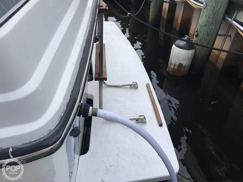 1987 Carver boat for sale, model of the boat is 2897 Mariner & Image # 8 of 40