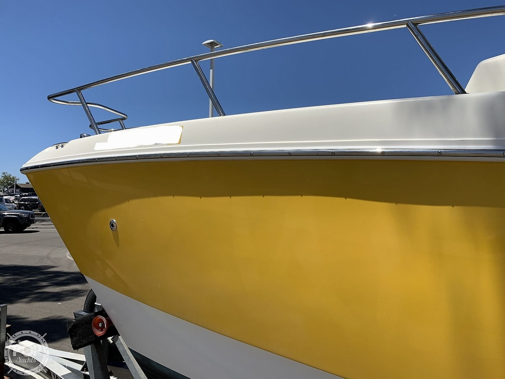 2001 World Cat boat for sale, model of the boat is 266 Sport Cuddy & Image # 27 of 40