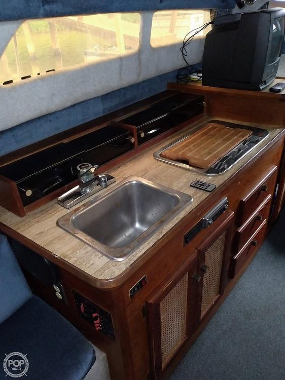 1986 Bayliner boat for sale, model of the boat is Ciera 26 & Image # 3 of 8