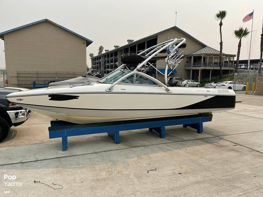2007 Centurion boat for sale, model of the boat is Elite V C4 Air Warrior & Image # 3 of 40