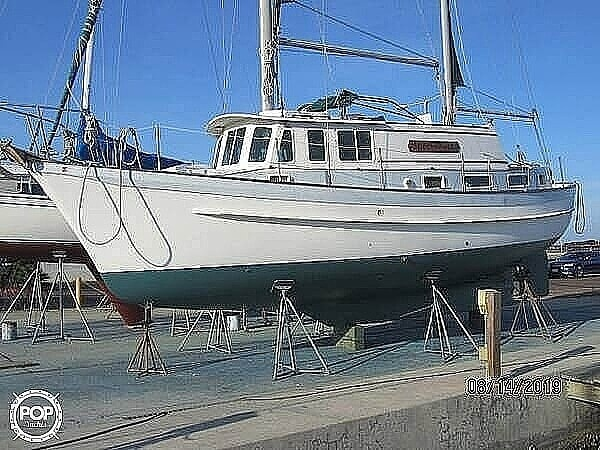 1976 Fales boat for sale, model of the boat is Navigator 38T & Image # 10 of 40