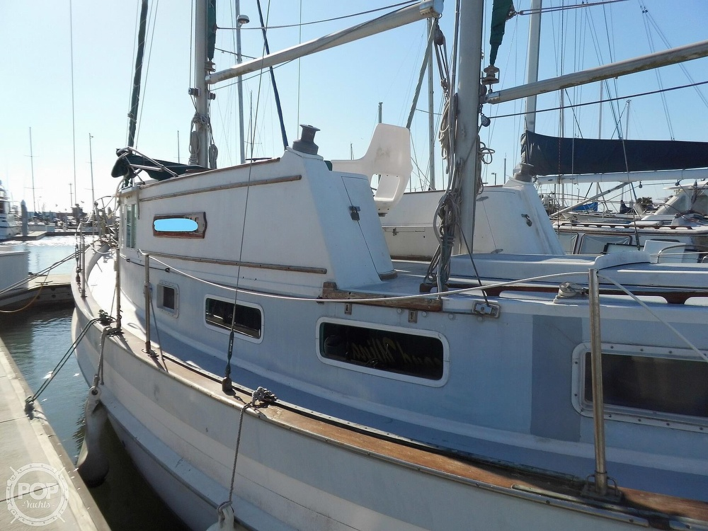 1976 Fales boat for sale, model of the boat is Navigator 38T & Image # 33 of 40