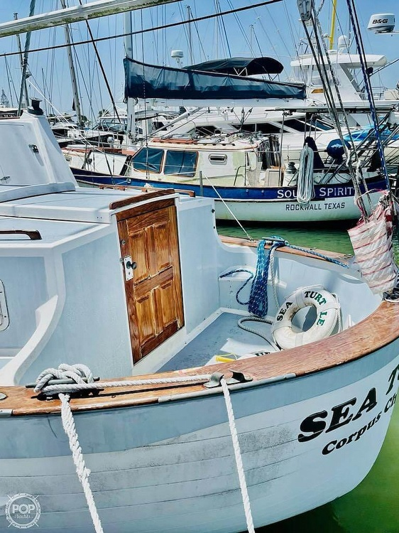 1976 Fales boat for sale, model of the boat is Navigator 38T & Image # 6 of 40