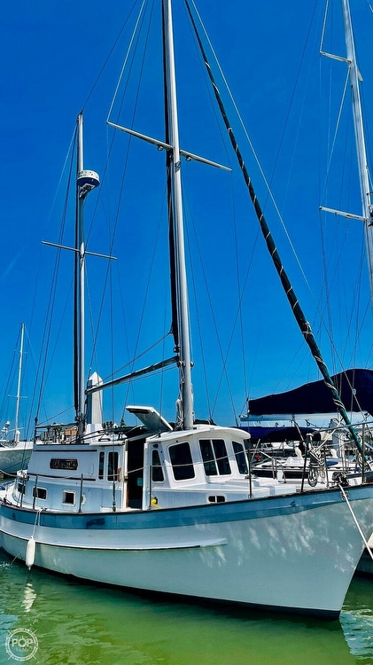 1976 Fales boat for sale, model of the boat is Navigator 38T & Image # 4 of 40