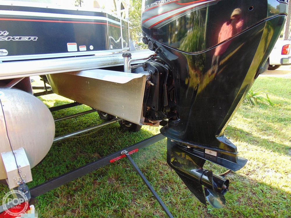 2015 Sun Tracker boat for sale, model of the boat is 22 DLX Party Barge & Image # 28 of 40