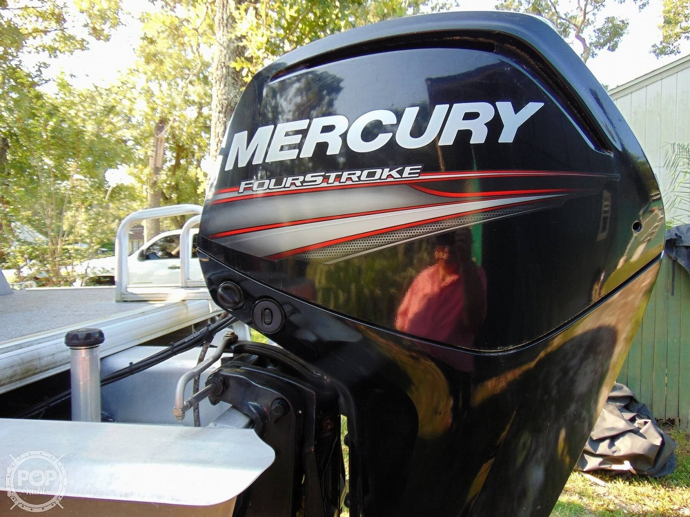 2015 Sun Tracker boat for sale, model of the boat is 22 DLX Party Barge & Image # 6 of 40