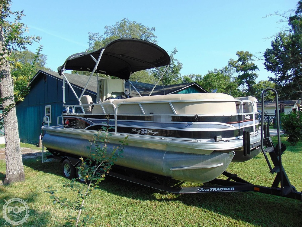 2015 Sun Tracker boat for sale, model of the boat is 22 DLX Party Barge & Image # 40 of 40