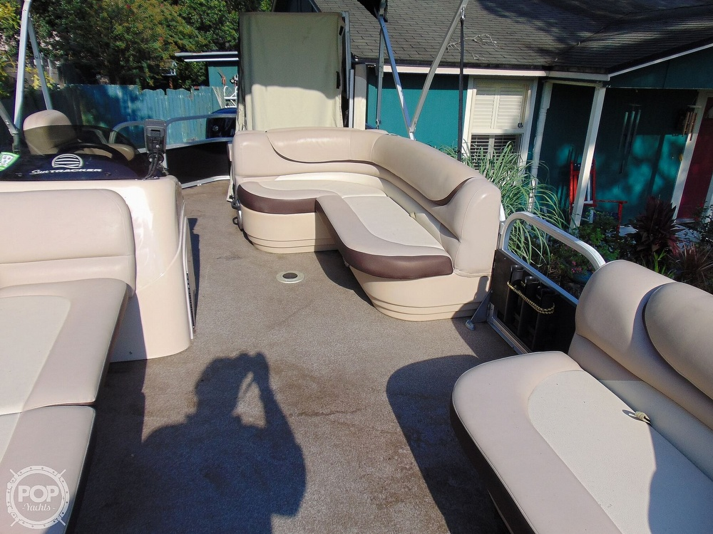 2015 Sun Tracker boat for sale, model of the boat is 22 DLX Party Barge & Image # 3 of 40