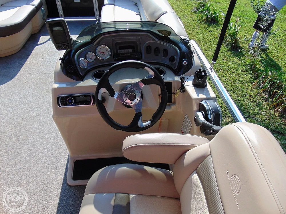 2015 Sun Tracker boat for sale, model of the boat is 22 DLX Party Barge & Image # 2 of 40