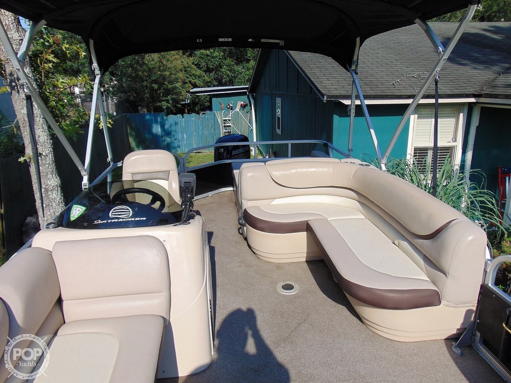 2015 Sun Tracker boat for sale, model of the boat is 22 DLX Party Barge & Image # 4 of 40