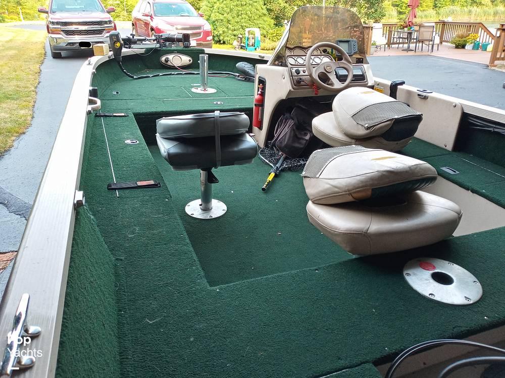 2000 Crestliner boat for sale, model of the boat is 1750 Fish Hawk SC & Image # 20 of 40