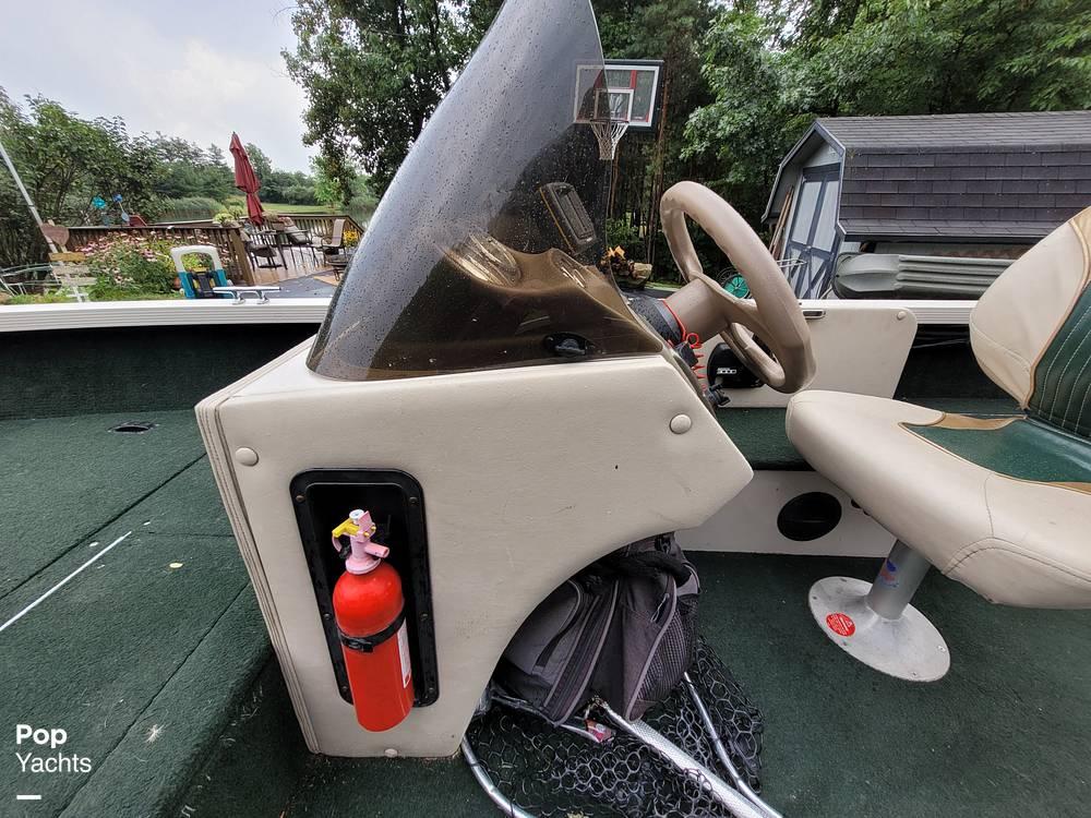 2000 Crestliner boat for sale, model of the boat is 1750 Fish Hawk SC & Image # 22 of 40